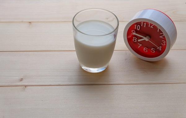 牛乳,時計